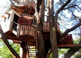 Строим дом на дереве и во дворе, вигвам для детей