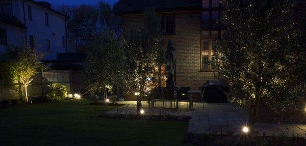 ultimate-garden-lighting-03.jpg
