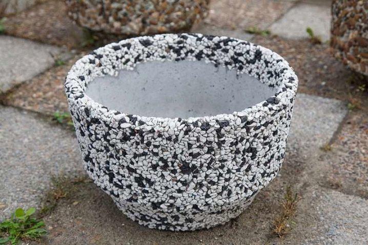 kak-samostoyatelno-sdelat-vazon-iz-betona-57.jpg