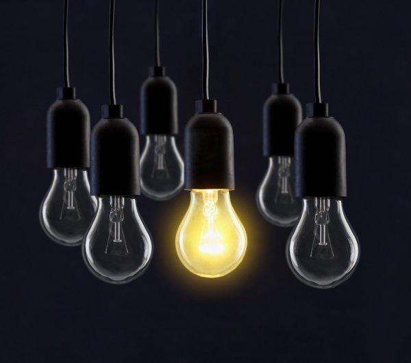 depositphotos_71939055-stock-photo-light-bulb-lamps-on-black.jpg