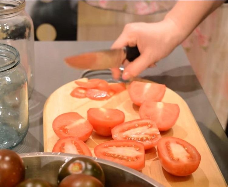 tomaty-narezat.jpg