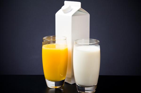 orange-juice-or-milk.jpg