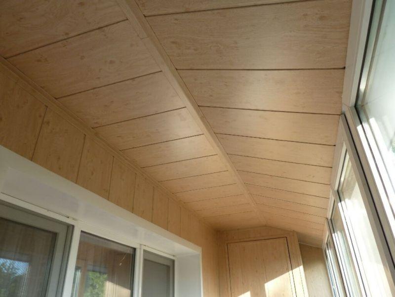 paneli-na-potolk-na-balkone_06-1024x769.jpg
