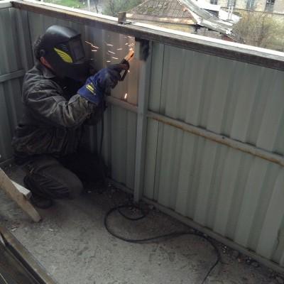 remont-balkona-bez-osteklenija6-400x400.jpg