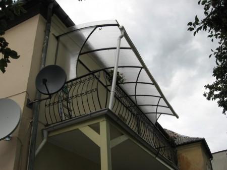 remont-balkona-bez-osteklenija1-450x337.jpg